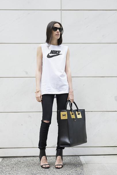 melissa araujo blogger jeans bag jewels sunglasses