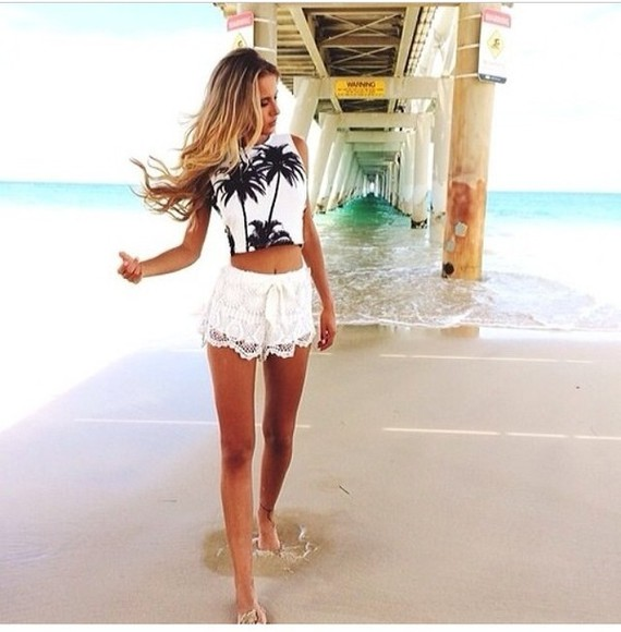 heart shorts tank top tanned girl gorgeous fashion toast fashion vibe fashion squad tumblr girl tumblr clothes summer summer outfits cut out white crop tops summer summerdress a beautiful heart palm trees palm tree print palmtree love more pure lovers skirt blonde hair blonde hair dye shoes