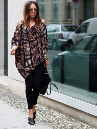 nina @ www.helloshopping.de - it's a blog. blogger jeans bag shoes hat dress streetwear zalando black jeans