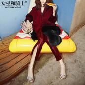 dress,vogue,pants,lookbook store,fancy,overcoat with fur collar