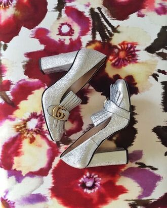 shoes tumblr gucci gucci shoes silver shoes silver thick heel block heels glitter shoes pilgrim shoes high heel loafers