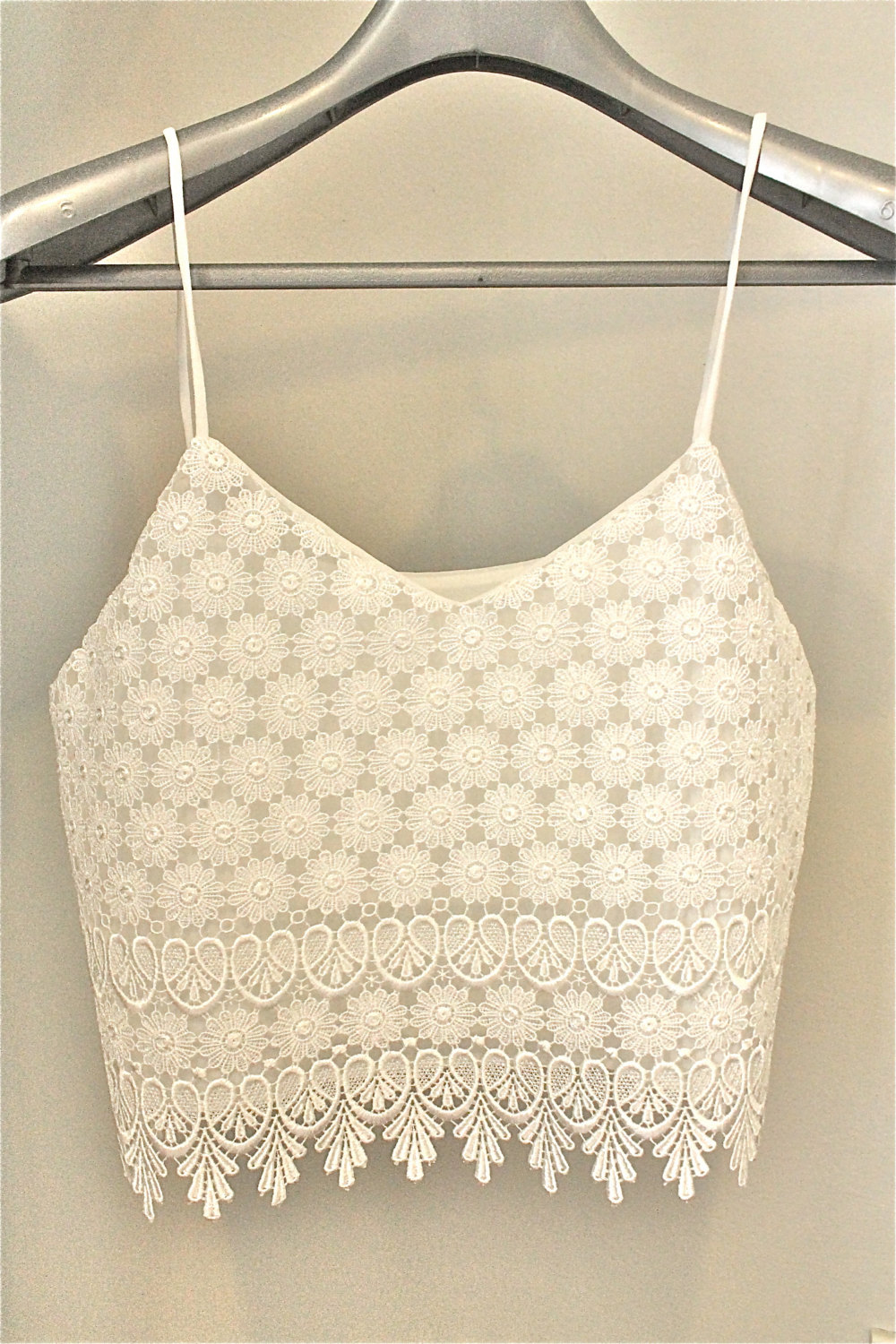 White top women tank top shirt fashion must have outfit