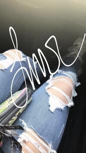 jeans,medium wash,ripped