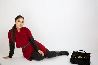 wearing fashion fluently blogger belt winter dress red dress satchel bag mulberry