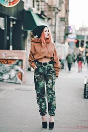 pants,tumblr,camouflage,camo pants,belt,high heels,heels,shoes,hoodie,cropped hoodie,crop tops,cropped,beanie,grunge
