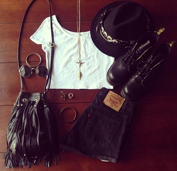 shirt shorts bag jewels sunglasses shoes hat