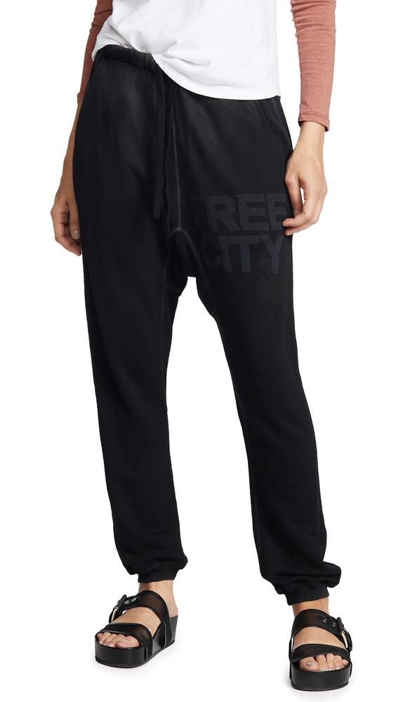 FREECITY Super Fluffy Pocket Sweatpants in black