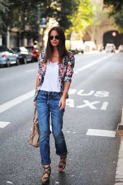 fashion vibe jeans shoes t-shirt jacket bag sunglasses
