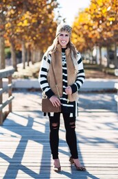 herestheskinny,blogger,sweater,jacket,jeans,bag,shoes,hat,jewels,make-up,beanie,vest,shoulder bag,leopard print high heels,beige fur vest