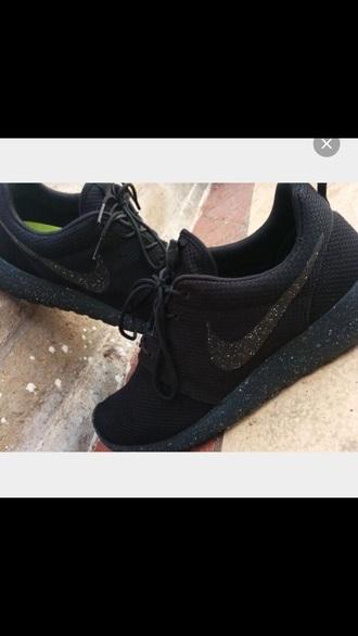 shoes nike nike roshe run nike splattered bottoms galaxy print nike roshe runs white nike knitfly nike roshe runs white with black tick