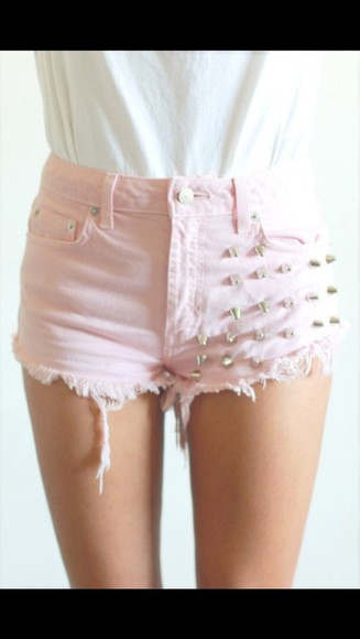 studs pink shorts ripped in the trend fashion