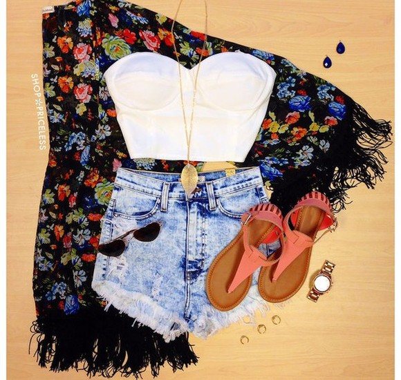 cardigan High waisted shorts jeans shoes