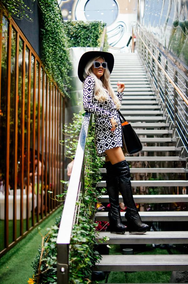 i hate blonde blogger romper sunglasses shoes bag