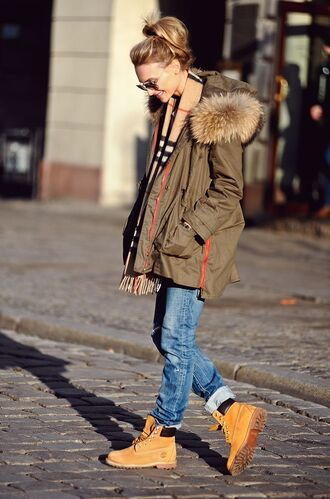 shoes army green fur jacket boyfriend jeans sunglasses blogger timberlands