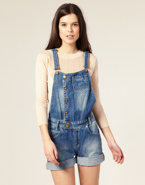 T shirt that looks like overalls