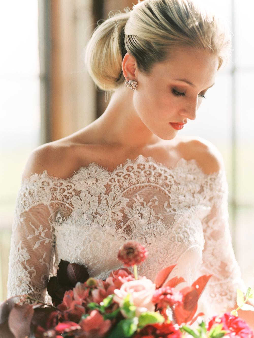 61cea536d2d Wedding Dress Dress Accessories