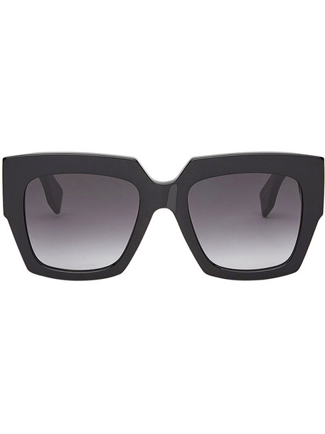 women plastic sunglasses black