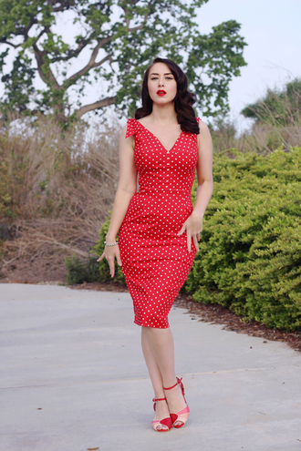 southerncaliforniabelle blogger dress shoes jewels make-up red dress polka dots sandals retro dress spring outfits