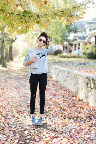 one little momma blogger sweater jeans shoes sunglasses bag jewels fall outfits sneakers grey sweater black jeans skinny jeans