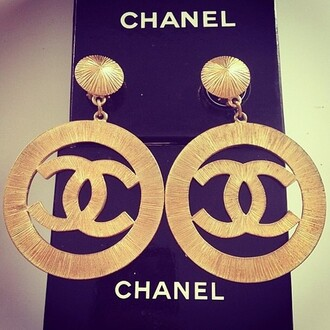 jewels chanel gold earrings chanel big gold earrings gold watch watch chanel earrings hoop earing oversized earrings chanel earring chanel earrings gold earrings dangly gold earrings big gold earrings