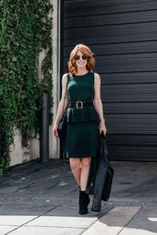 themiddlepage,blogger,top,skirt,belt,shoes,jacket,bag,ankle boots,green dress,leather jacket