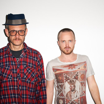 shirt aaron paul terry richardson photograph photographer warm colors warm colours white shirt printed shirt native american amerindian planets feathers jesse pinkman breaking bad malcolm in hal the middle
