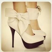 bow heels,heels,white shoes,high heel pumps,shoes,nude heels,cream high heels,bow,leather,cute,classy,high heels