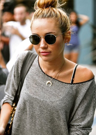 jewels miley cyrus necklace horn ebony blouse