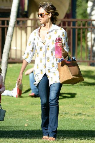 shirt jessica alba jeans spring outfits