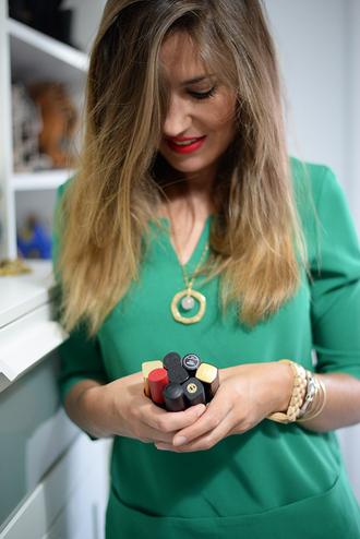 mi aventura con la moda blogger mango green dress gold necklace