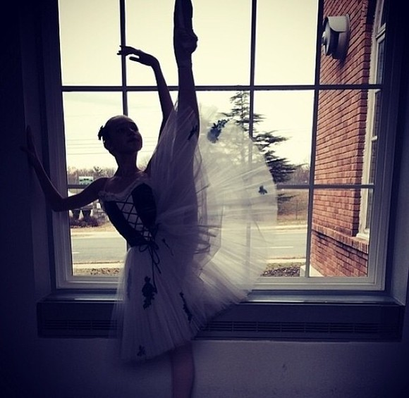 ballerine ballerina white dress tutu skirt tutu skirt white dress blanche robe dance dancer danseuse