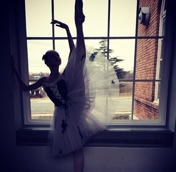 dress ballerina ballerine tutu skirt tulle skirt white white dress blanche robe dance dance danseuse