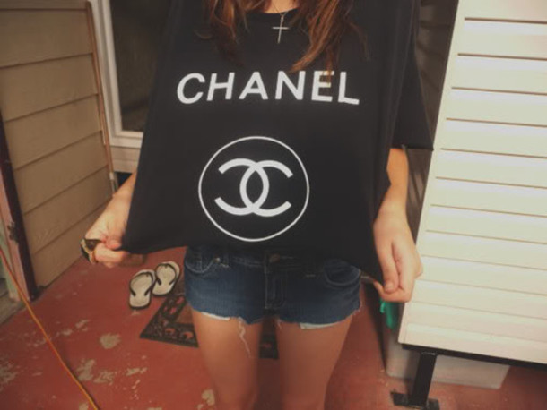 black t-shirt crop tops chanel t-shirt
