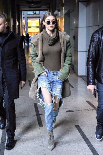 jeans streetstyle fashion week 2017 model off-duty gigi hadid turtleneck jacket milan fashion week 2017