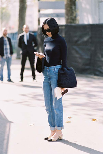 vanessa jackman blogger bell sleeves straight jeans mid heel pumps bell sleeve sweater french girl style