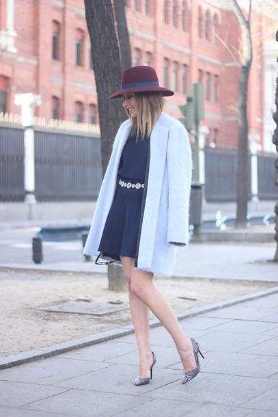 besugarandspice blogger skirt hat fuzzy coat light blue navy blue fluffy coat