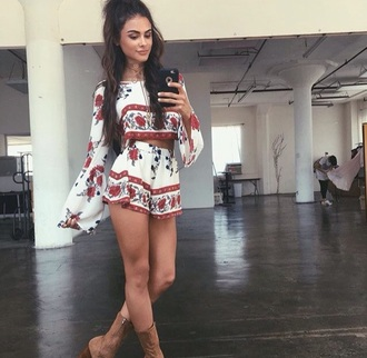 top sophia miacova shorts print florals romper floral romper red white shorts floral flowy cute bell sleeves two piece shorts and top matching set long sleeves long sleeve tops short shorts white pattern boho boho chic