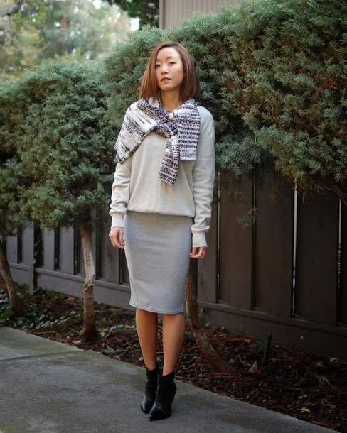 monkeyshines blogger grey skirt grey sweater sweater skirt shoes scarf
