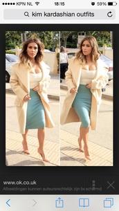 kim kardashian,cream,nude,beige,big coat