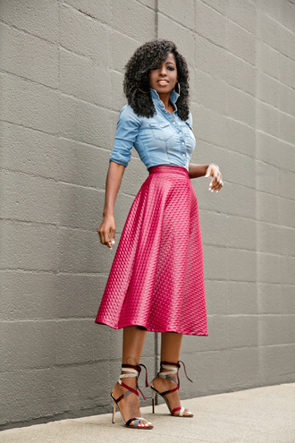 blogger shirt denim shirt midi skirt hot pink sandals