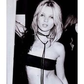 jewels,jewel cult,jewelry,kate moss,model,model off-duty,celebrity style,celebrity,celebstyle for less,necklace,choker necklace,wrap necklace,black,black choker,grunge,grunge jewelry,boho,boho jewelry,bohemian