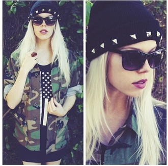 hat black jacket beenie