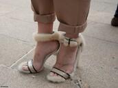 shoes,fur