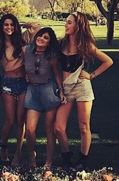 kylie jenner dress shorts girl on the left blouse selena gomezs blouse