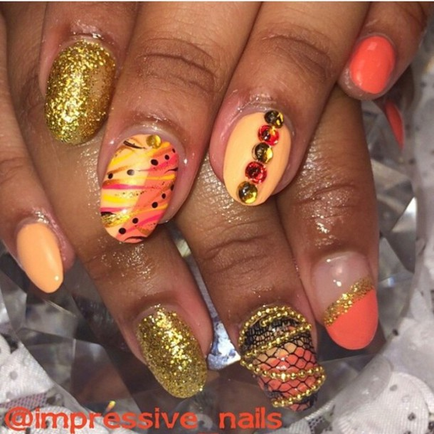 nail polish gold gold chain lace rhinestones