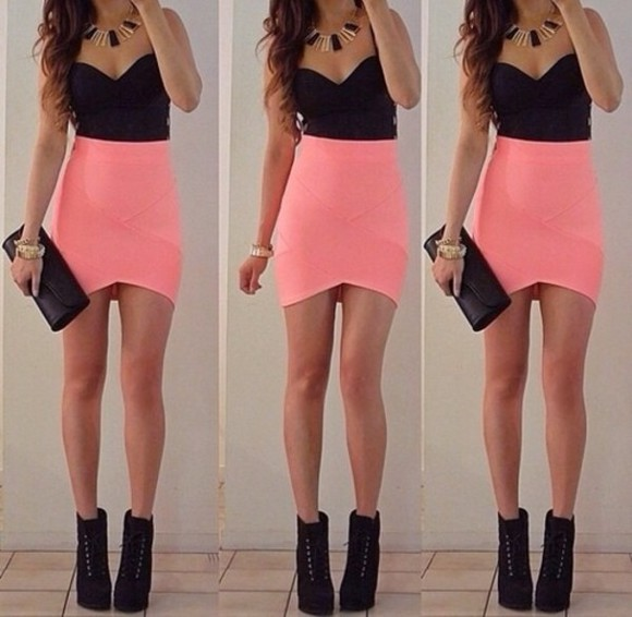 skirt black pink tops high waisted skirt tank top jewels dress pink dress pink shirts fashion vibe fashion cool pink skirt black crop top pink, skirt, tank top, jewels, classy boob top tube bustier black high heels
