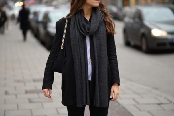 coat noir sobre
