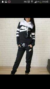 sweater,nike sweater,nike,women,black,white,black and white sweater,jumpsuit,jacket,nike hoodie,black and white,nike black and white hoodie,nike sweatshirt,pants,tracksuit,shirt,nike running shoes,nike tracksuit,slim,orange,purple,brown,swag,casual,sporty,adidas,just do it,nike jacket,nike shoes,red nike,black n white,blue,pink,yellow,green,stripes,black nike jumpsuit,hoodie and sweatpants,nike jumpsuit,black and white jumpsuit,joggers pants,nike sweatpants,black sweats nike,nike black and white sweater,black and white nike sweats,hoodie,sweatpants,nike sportswear,addias sweater,windbreaker,athletic,black & white nike hoodie,jumper,sweatshirt,nike jogging suit