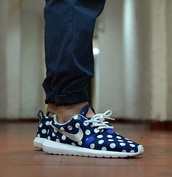 shoes,nike,nike roshe run,polka dots,sneakers,blue,summer,cool,old collection,roshe runs