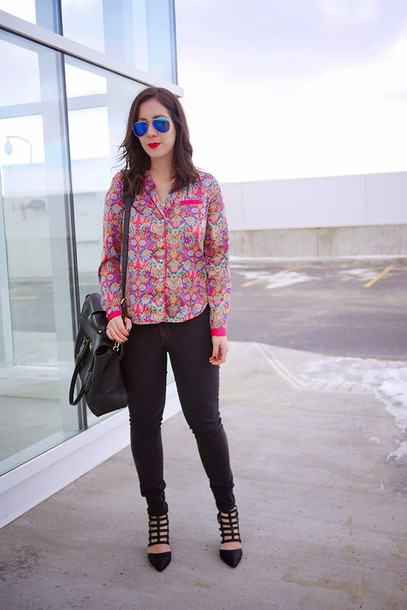 adventures in fashion blogger top jeans shoes bag sunglasses